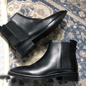 Zara Flat Boots